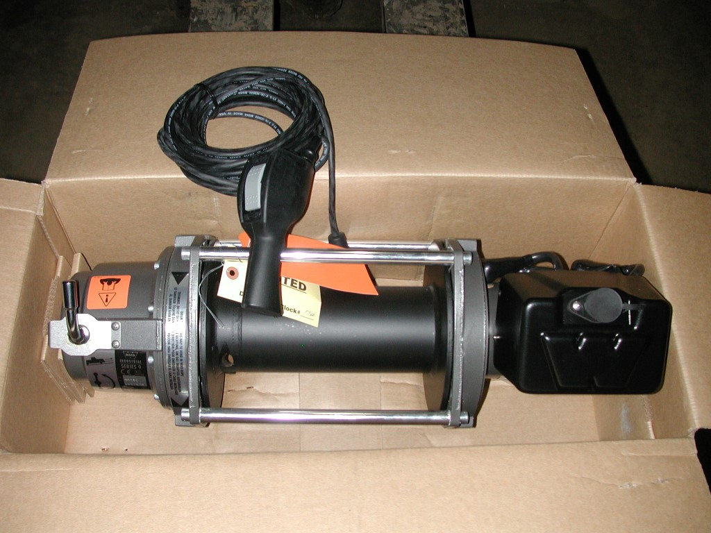 INDUSTRIAL WINCH – WARN 9000LB – 24V